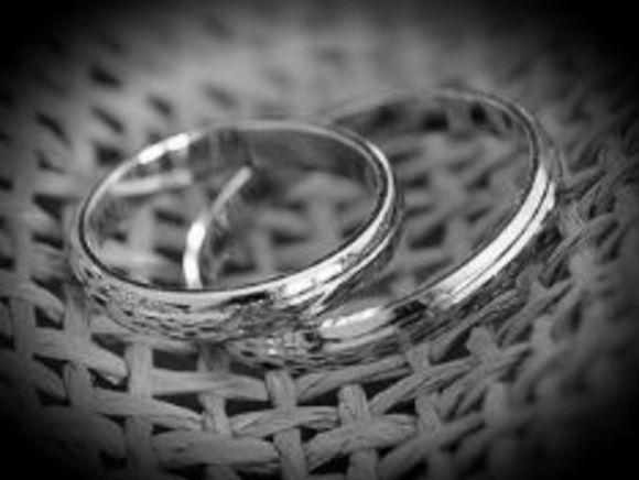 Юрист о свадьбе трансгендера: Российские законы не предусматривают расторжение брака при смене пола одним из супругов
