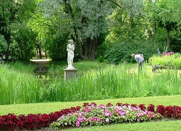 Императорский букет: Петербург приглашает нафестиваль цветов