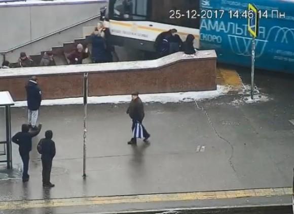Департамент здравоохранения уточнил число погибших въехавшего впереход автобуса