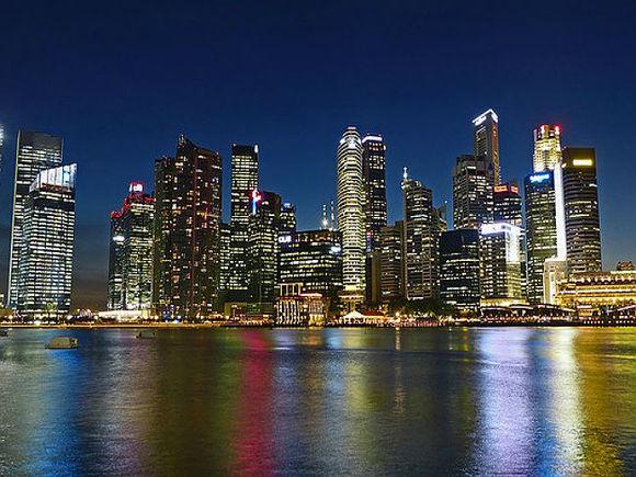 Розничные продажи в Сингапуре сократились за месяц почти на полпроцента