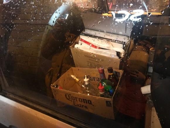 ОМОН провел внезапный рейд повсем заведениям наДумской улице
