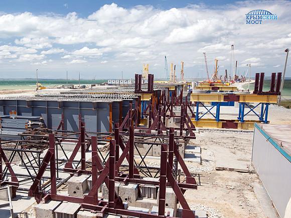 Путин намекнул на заблаговременное  завершение строительства Крымского моста