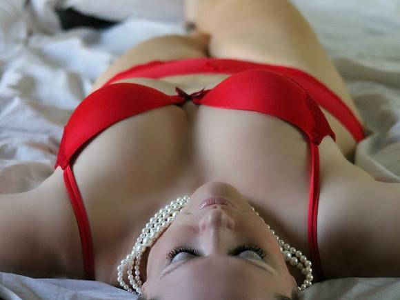 Женскаяи грудь и когда подергивают за грудь во время секса фото 422-967