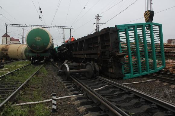 После столкновения 2-х грузовых поездов будут судить машиниста тепловоза