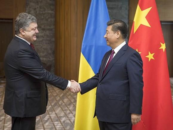 Порошенко попросил лидера Китая помочь вурегулировании ситуации вДонбассе
