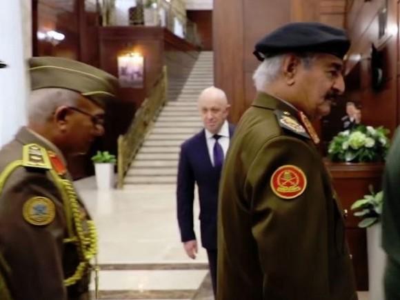 Пригожин «засветился» навстрече министра обороныРФ Шойгу сливийским маршалом
