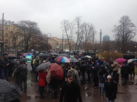 Милиция задержала 40 человек наантипутинском митинге вПетербурге