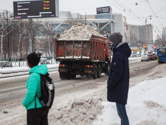 В Петербурге за плохую уборку наказали структуру Минобороны