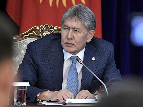 Atambayev ailəsi çətin durumda: Həbs gözləyən sabiq birinci xanım, döyülən oğul, evi alt-üst edilən qayınata…