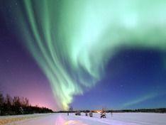 Жители Ленобласти стали свидетелями потрясающе красивого северного сияния