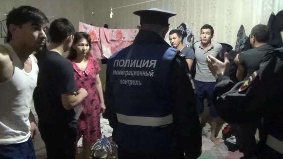 Полицейские обнаружили «резиновую» квартиру врасселенном доме наулице Восстания