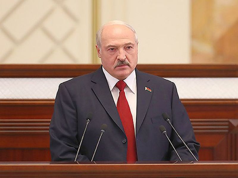 Лукашенко осудил Польшу за то, что она не позвала Путина на мероприяти