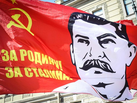 Митрополит Илларион от имени церкви призвал не приписывать Сталину победу в войне и не возрождать культ личности