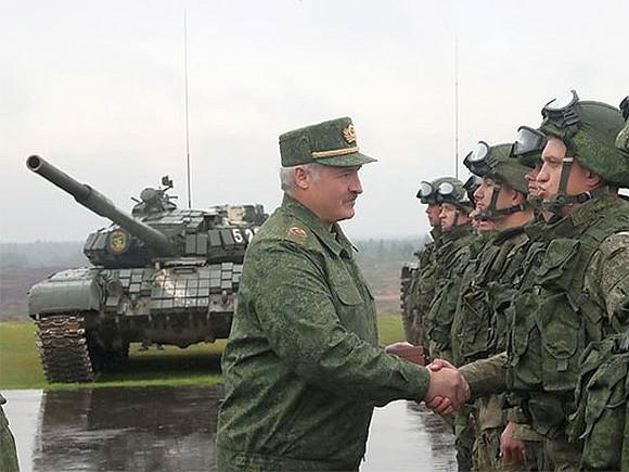 Лукашенко обещает, что русские войска после учений покинут Беларусь