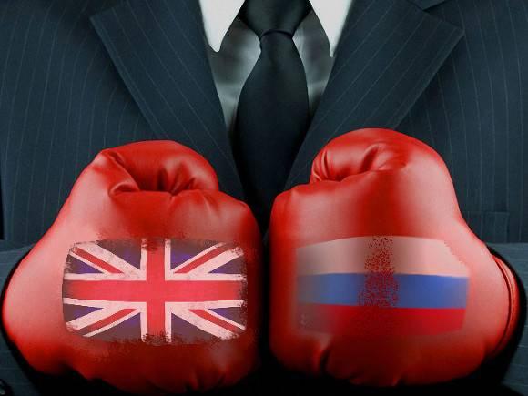 Власти Британии пригрозили России санкциями из-за ареста Навального