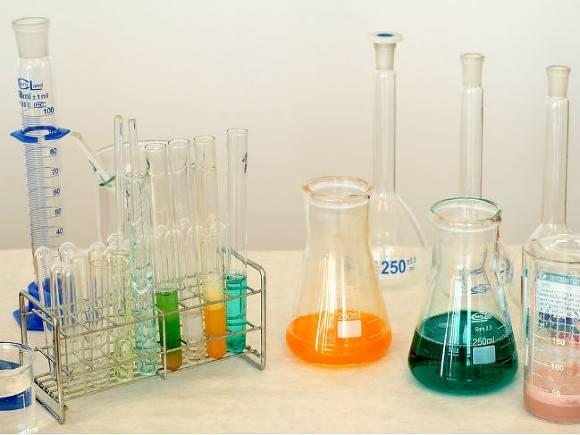 При разливе химикатов в Псковском университете пострадали три студентки