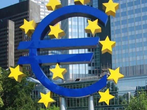 «Господство доллара, санкции, уязвимость Европы»: в ЕС недовольны «наследием Трампа» и готовят план действий