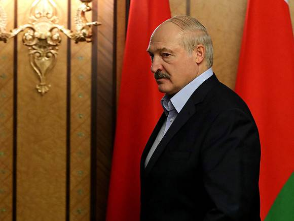 Лукашенко объяснил, почему пока не стал «настоящим диктатором»