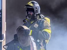 Пожар в ангаре на севере Москвы потушен