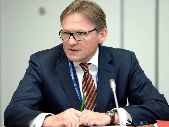 Бизнес-омбудсмен Титов: Россия живет в экономической модели нефть в обмен на бусы