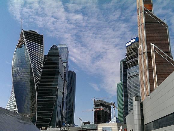 Машиноместа за 17млн рублей продали в Москве