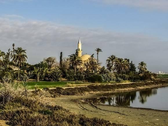 Кипр во вторую волну пандемии ввел комендантский час