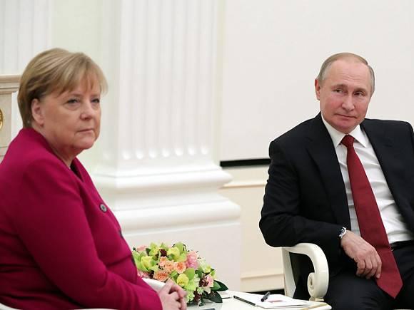 Никаких «дворцов»: Меркель живет в квартире в берлинской пятиэтажке