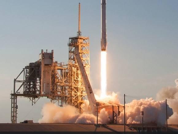 SpaceX снова отложила запуск ракеты Falcon 9 со спутниками Starlink