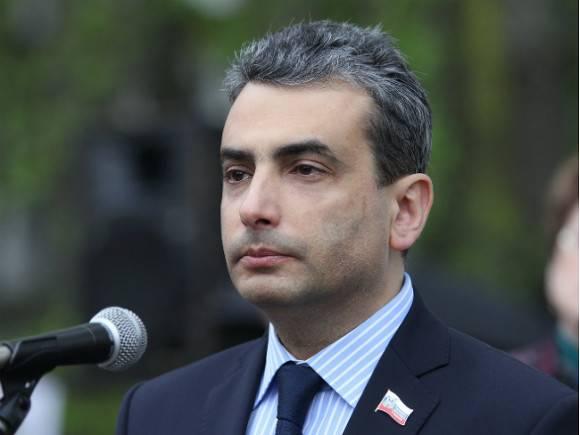 В Пскове Льва Шлосберга сняли с выборов в заксобрание, но в Москве зарегистрировали в качестве кандидата в депутаты Госдумы