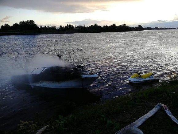 За сутки из водоемов в Ленобласти вытащили пять утопленников