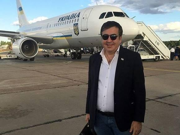Секретарь правящей партии Грузии заявил, что Саакашвили не приезжал в страну
