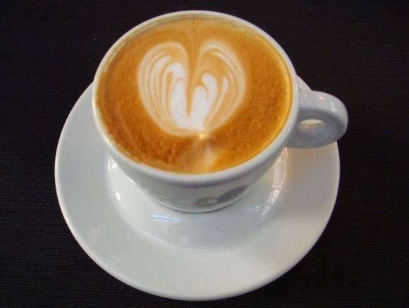 Врач рассказала, кому следует меньше пить кофе