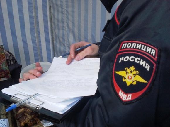 В Москве взяли под стражу мужчину, который прокатил полицейского