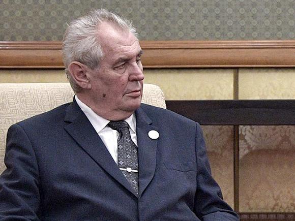 Сенат Чехии рассмотрит вопрос об объявлении импичмента президенту Земану