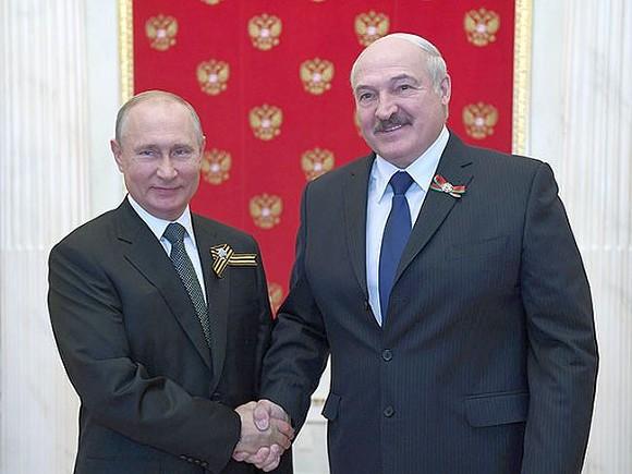 Лукашенко и Путин почти четыре часа обсуждали «актуальные вопросы»