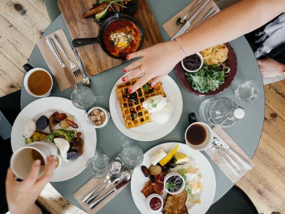 Диетолог объяснила, почему с наступлением холодов хочется больше есть