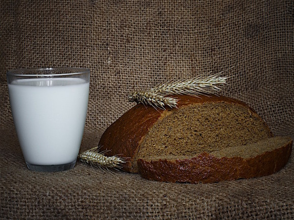 Ученые: От ежедневного употребления молока разовьется рак