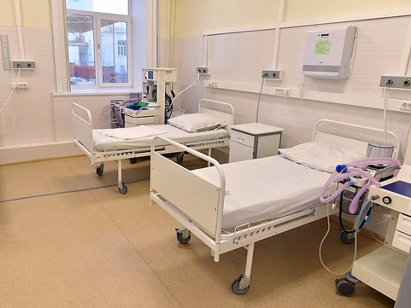 Количество смертей за сутки от COVID-19 в России снова побило рекорд