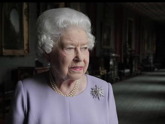 Королева Британии призвала изменить законы из-за врагов страны