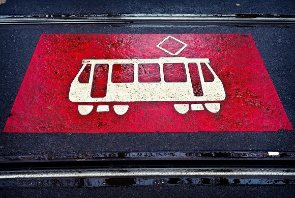 В Невском районе трамвай врезался в автобус (фото)