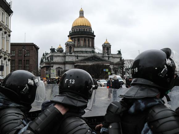 В Петербурге создателя Telegram-канала отправили в СИЗО за призывы массовых беспорядках