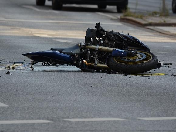 Мотоциклист пострадал в ДТП на Ленинградке