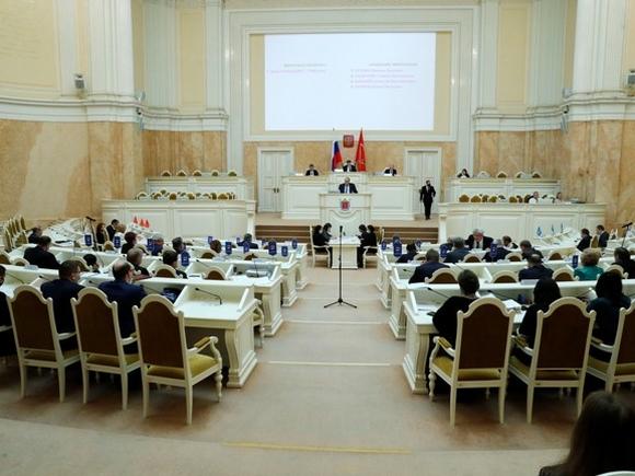 Депутаты петербургского парламента: Законодательные инициативы оппозиции игнорируются