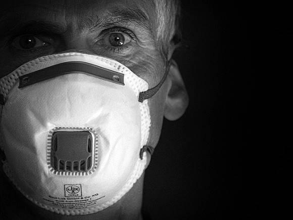 Пандемия в Европе: комендантский час и беспорядки