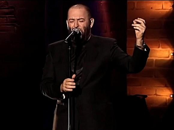 В эфире тюменской радиостанции четыре часа проигрывали сентябрьскую песню Шуфутинского