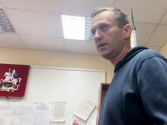 К отделу полиции в Химках стягивают бойцов ОМОНа