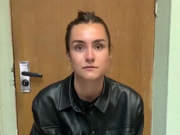 Мать арестованной в Минске россиянки Софии Сапеги рассказала, что консул посещал ее дочь всего один раз после задержания