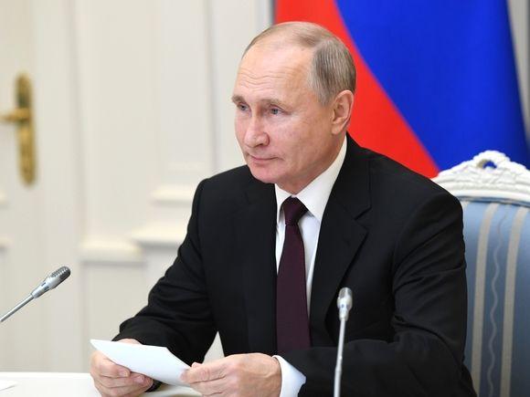 Путин потребовал законодательно запретить отождествлять роли СССР и Германии во Второй мировой войне