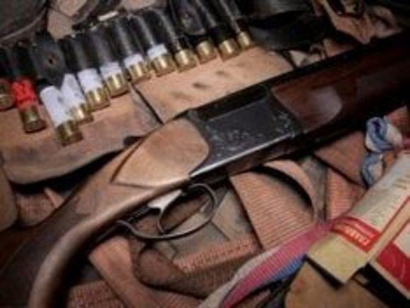 В Нижегородской области бандиты влезли в окно и напали на спящую семью