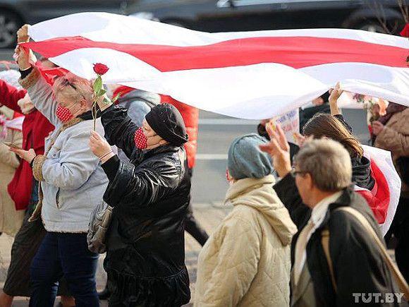 Пенсионеры в Минске вышли протестовать вместе со студентами